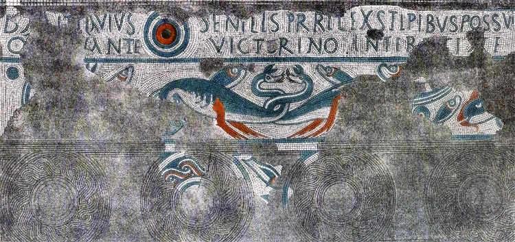 Фрагмент мозаики из целлы храма Ноденса в Лидни